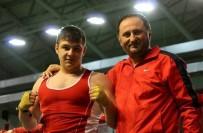 Gençler Boks Şampiyonası'nda Mustafa Kuşgözoğlu, Gümüş Madalyaya Uzandı