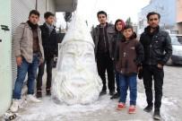 KARDAN ADAM - Kardan Zeus Heykeli Yaptılar