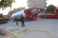 UMURLU - LPG Dolu Tanker Çukura Düştü, Faciadan Dönüldü