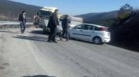 GÜNLÜCE - Tavşanlı-Emet Karayolu'nda Trafik Kazası Açıklaması 2 Yaralı