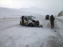 ERKENEK - Tır İle Otomobil Çarpıştı Açıklaması 1 Ölü, 2 Yaralı