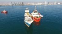 KIYI EMNİYETİ - Zeytinburnu Açıklarında Yan Yatan Gemi Havadan Görüntülendi