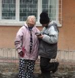 DEDE EFENDI - Ankara'da Belediye Ekiplerini Şaşkına Çeviren Ev