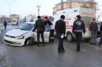 Başkale'de Trafik Kazası Açıklaması 1 Yaralı