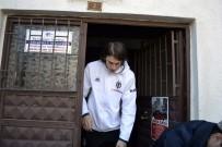 Beşiktaşlı Futbolcular Cuma Namazında