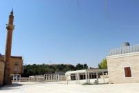 İNŞAAT ALANI - Cumhuriyet Tarihinin İlk AVM'siş Kırşehir'deki Ahi Çarşısı