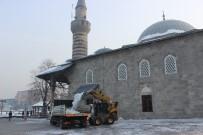 SIBIRYA - Erzurum'da Şadırvanlar Buz Tuttu