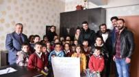 KIRTASİYE MALZEMESİ - Hakkari Genç Gönüllüler Derneğinden Eğitime Destek