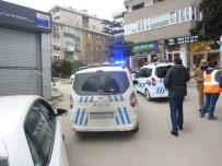 SİLAHLI ÇATIŞMA - Kadıköy'de Silahlı Çatışma Açıklaması 1'İ Ağır 3 Yaralı