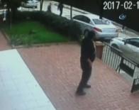 SİLAHLI ÇATIŞMA - Kadıköy'de Silahlı Çatışmaya Karışan Şahsılar Böyle Kaçtı