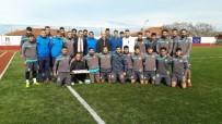 NAMIK KEMAL NAZLI - Kaymakam Nazlı'dan Ayvalıkgücü Belediyespor'a Baklavalı Doping