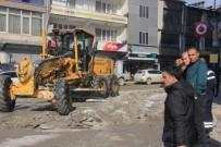 ALABALIK - Hakkari Belediyesinden Buzla Mücadele Çalışması