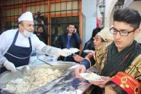 Kahramanmaraş'ta Şehitler Anısına 5 Bin Kişiye Etli Pilav Dağıtıldı