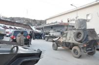 OSMAN KAYMAK - Konteynırda Saklanan PKK'lılarla Çatışma Çıktı