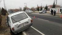 DUMLUPıNAR ÜNIVERSITESI - Kütahya'da Otomobilin Çarptığı Polis Memuru Ağır Yaralandı