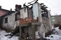 AHŞAP EV - Başkent'te Metruk Ahşap Ev Alevler İçinde Kaldı