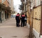 SıĞıNMA - Emniyetin Yanında Gezinen Şüpheli Kadın Polisi Harekete Geçirdi