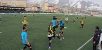 HAKKARİ VALİSİ - Hakkari'de Amatör Maç Heyecanı