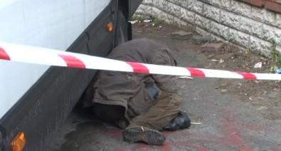 İstanbul'un göbeğinde donarak öldü!