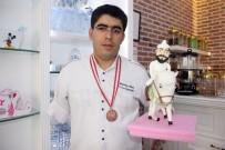 İŞ KAZASI - Tek Kollu Şefin Büyük Başarısı