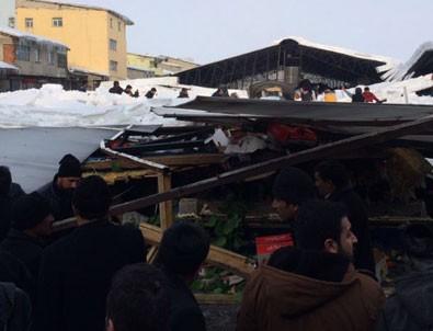 Ağrı'da pazar yerinin çatısı çöktü