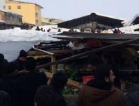 KURTARMA OPERASYONU - Ağrı'da pazar yerinin çatısı çöktü