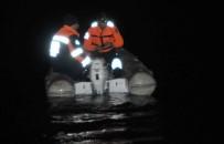 CANLI YAYIN - Balık Tutmaya Çıkan 4 Arkadaşın Teknesi Battı Açıklaması 2 Kişi Kayıp