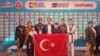 CEYHAN - Dodurga Beldesi Spor Kulübü Sporcuları Büyük Başarıya İmza Attılar