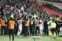 BEKIR YıLMAZ - Gaziantep Arena'da tribünler karıştı