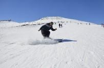 Güneydoğu'nun Uludağ'ında Kar Kalınlığı İki Metreyi Buldu