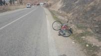 BİSİKLET - Hafif Ticari Araç Bisiklete Çarptı Açıklaması 1 Yaralı