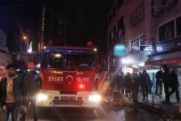 SES BOMBASI - Kağıthane'de Molotoflu Ve Ses Bombalı Saldırı