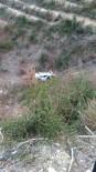 AKARCA - Otomobil Şarampole Düştü Açıklaması 2 Yaralı