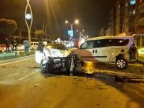 Sakarya'da 7 Araçlı Zincirleme Trafik Kazası Açıklaması 2 Yaralı