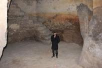 TARİHİ BİNA - Tarihi Evin Altında Asırlık Mağara Buldu