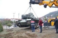 ŞEHİR MÜZESİ - Tarihi Tank Müzedeki Yerini Aldı