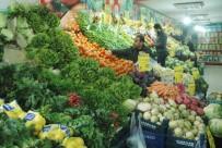 KIŞ MEVSİMİ - Van'da Sebze Meyve Fiyatları Cep Yakıyor
