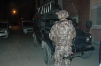 KORSAN GÖSTERİ - Adana'da Terör Operasyonu Açıklaması 34 Gözaltı