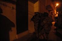 KORSAN GÖSTERİ - Adana'da Terör Örgütü PKK-KCK'nın Gençlik Yapılanmasına Yönelik Operasyon Açıklaması 34 Gözaltı