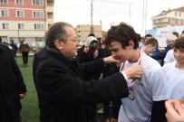 FUTBOL TURNUVASI - Bandırma Şampiyonlarının Kupaları Başkan Uğur'dan