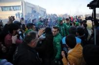 PABLO MARTİN BATALLA - Bursasporlu Taraftarlar Sevgililer Günü'nde Özlüce'ye Akın Etti