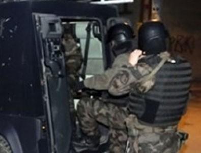 İstanbul'daki terör operasyonunda 6 kişi tutuklandı