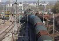 YOLCU TRENİ - Lüksemburg'da İki Tren Çarpıştı Açıklaması 1 Ölü, 6 Yaralı