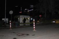ALI ÇOLAK - Maltepe'de Taksi Durağına Silahlı Saldırı  Açıklaması 1 Yaralı