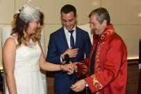 Sevgililer Günü'nde Evlenen Terörle Mücadele Polislerine Kelepçe