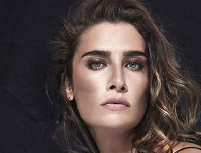 Ünlü şarkıcı Sıla trafik kazası geçirdi