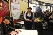 ŞARKICI - Sinan Akçıl Konserinde Sürpriz Evlenme Teklifi