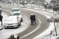 KAR KALINLIĞI - Şırnak'ta 37 Köy Yolu Ulaşıma Kapandı