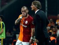 Sneijder Riekerink'in gitmesine tepkili