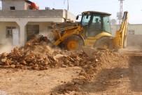 KALİTELİ YAŞAM - Akçakale Belediyesi Kırsalda Yolsuz Mahalle Bırakmıyor